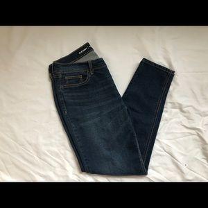 Size 6 Old Navy Boyfriend Jeans